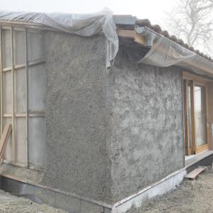Rénovation thermique par l'extérieur en béton de chanvre projeté - DévelGreen